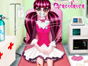 Play Draculaura First Aid