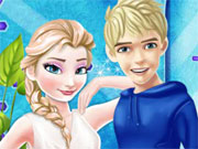 Play Elsa and Jack Moving Together