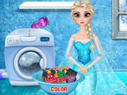 Play Elsa Washing Clothes