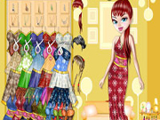 Play Evelyn doll dressup game
