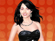 Play Megan Fox Dress Up