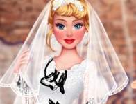 Play Princesses: Trash My Wedding Dress